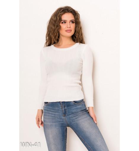 Белый укороченный трикотажный фактурный свитер