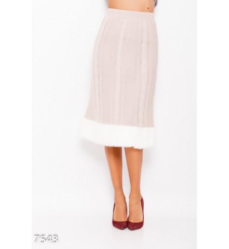 Бежевая вязаная шерстяная юбка с меховым декором