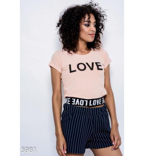 Бежевая трикотажная футболка с манжетой-резинкой и принтом LOVE